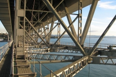 800px-Below_Auckland_Harbour_Bridge_Hossen27